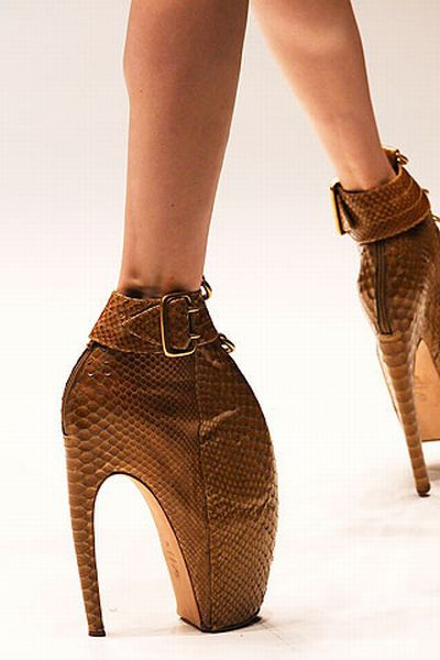 Women's shoes of the latest fashion (28 pics)