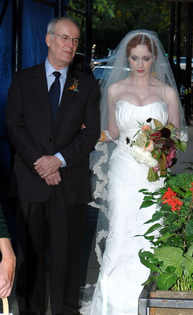 Christina Hendricks getting married (10 pics)