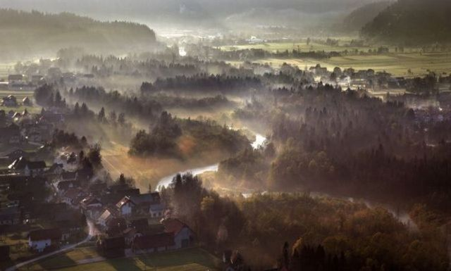 Beautiful landscapes from above (27 pics)