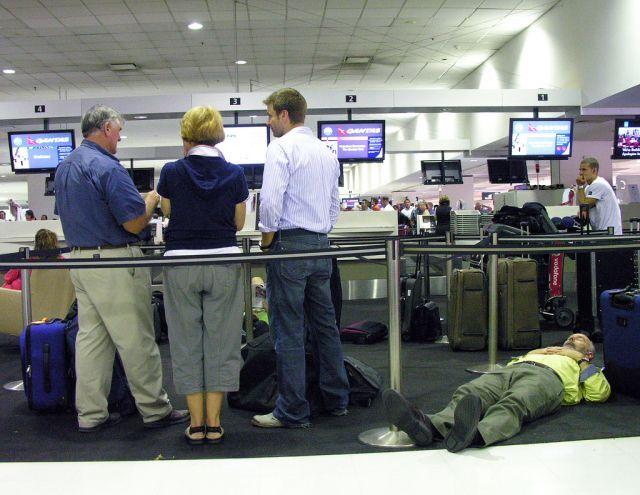 """Victims"" of airports (35 pics)"