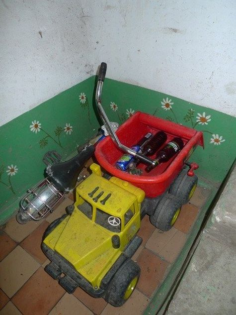When you have no money for the repairs, you've got to be creative! (18 pics)