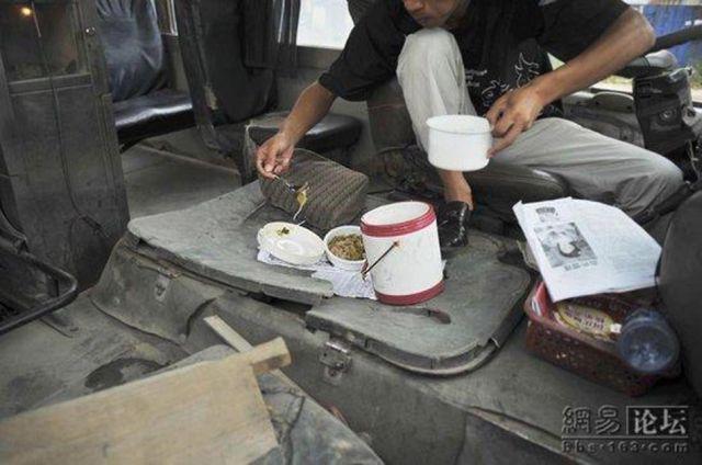 Chinese public transport (4 pics)