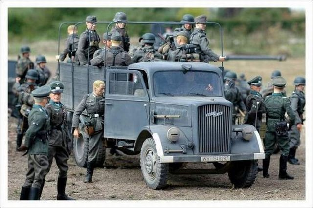 Great miniature of the WW2 (19 pics)