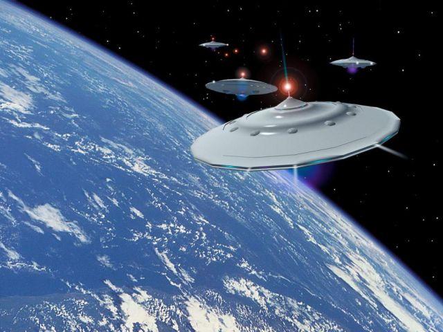 Why UFO photos are so rare? (2 pics)