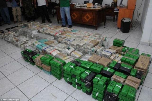 drug money   205 million in cash   12 pics
