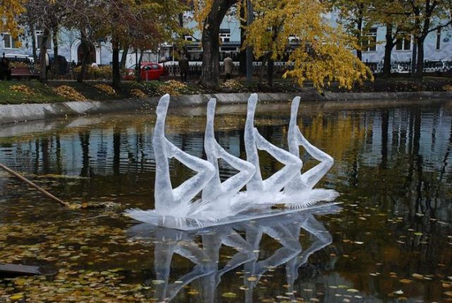 Unusual Sculptures and Installations by Mark Jenkins (29 pics)