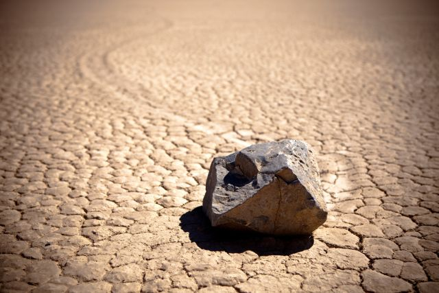The Mysterious Sailing Stones of Death Valley (46 pics)