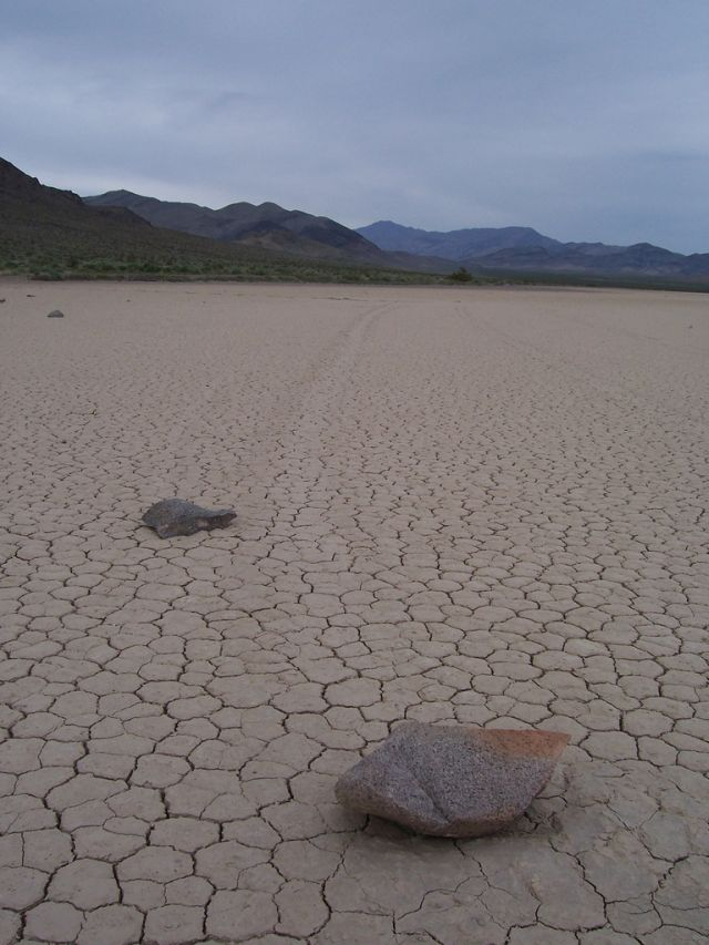 The Mysterious Sailing Stones Of Death Valley 46 Pics
