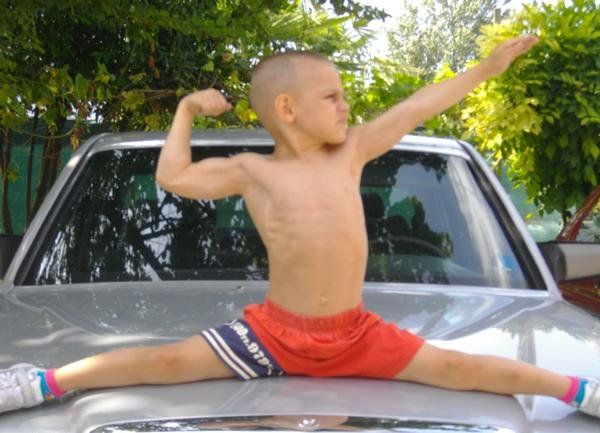 "5-Year-Old ""Little Hulk"" (10 pics+ 1 video)"