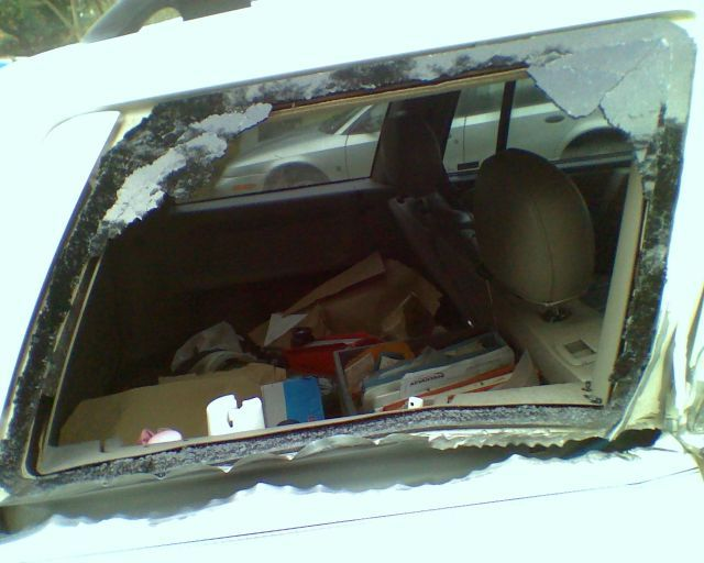 Jeep Grand Cherokee vs Mailbox (21 pics)
