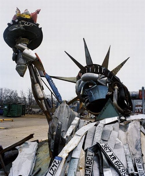 Awesome Trash Sculptures Art (21 pics)