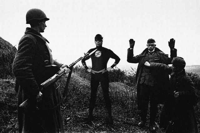 Superheroes in Famous Political and Wartime Scenes (8 pics)