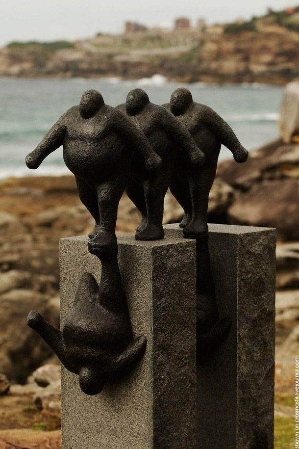 Sculptures by the Sea (21 pics)