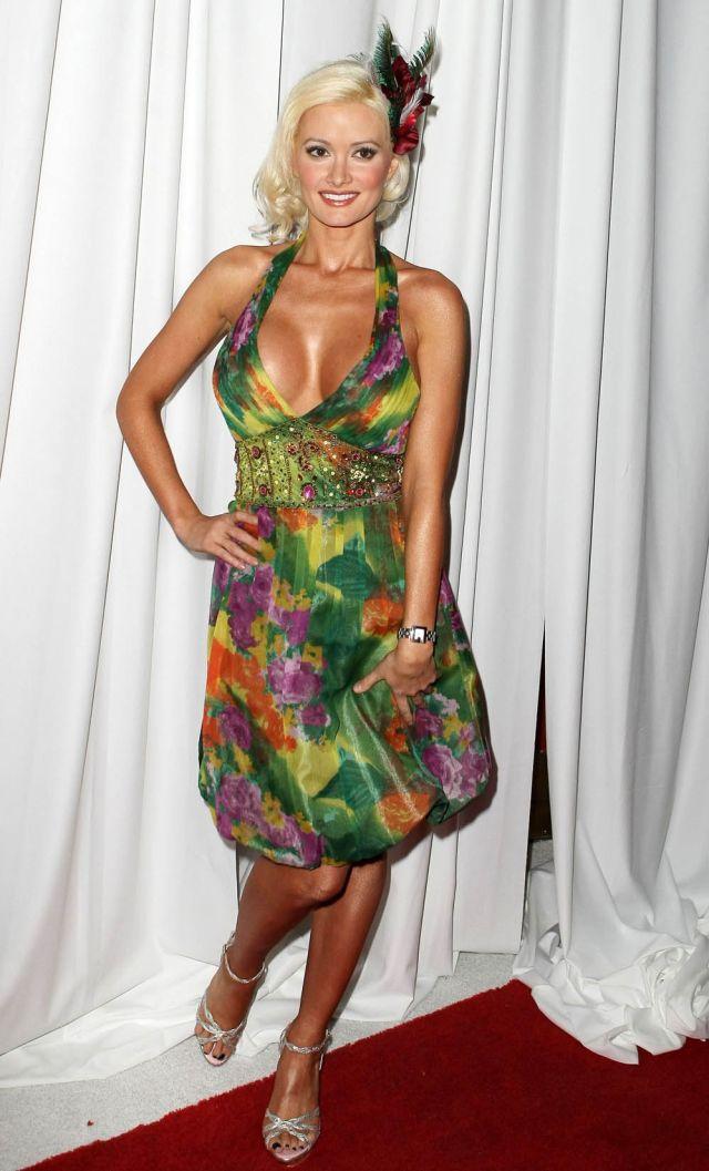 Holly Madison (9 pics)