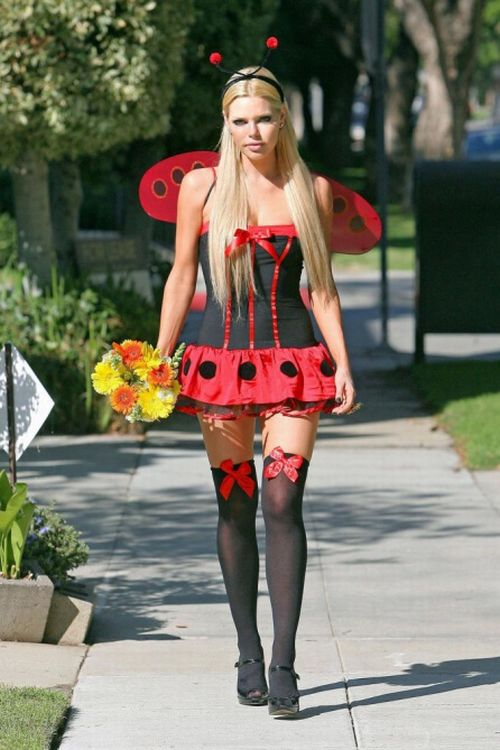 Sophie Monk in a Sexy Lady Bug Costume (9 pics)