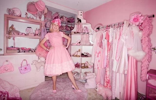 The Life in Pink Colors (14 pics)