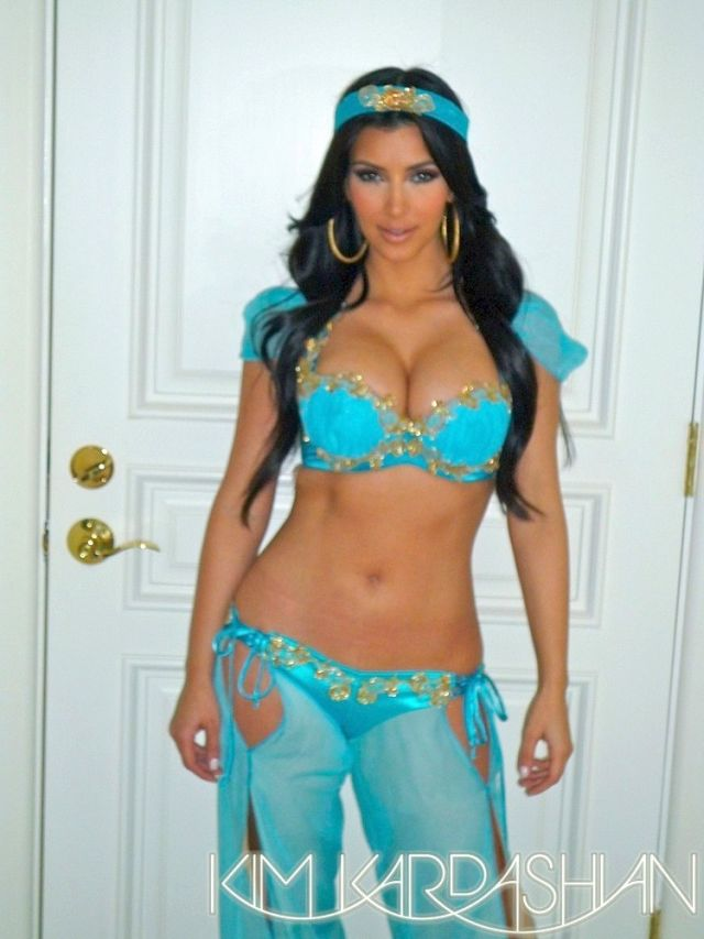 Kim Kardashian as Princess Jasmine (8 pics)