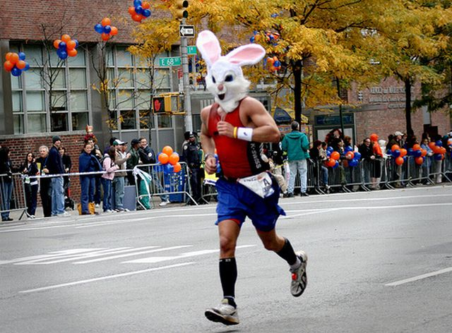The Coolest Costumes of 2009 NYC Marathon (25 pics)