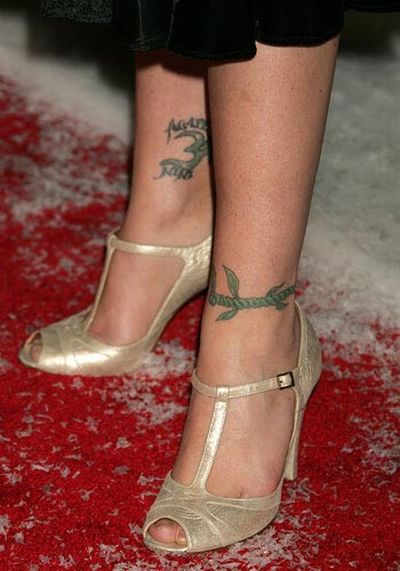2 Celebrities Tattoos (23 pics)