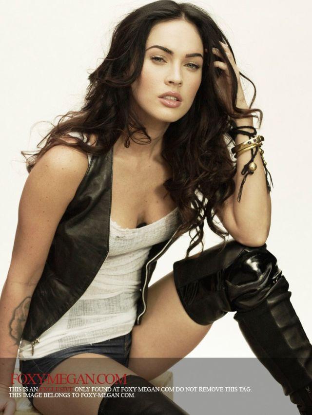 Megan Fox – Hot as Usual (9 pics)