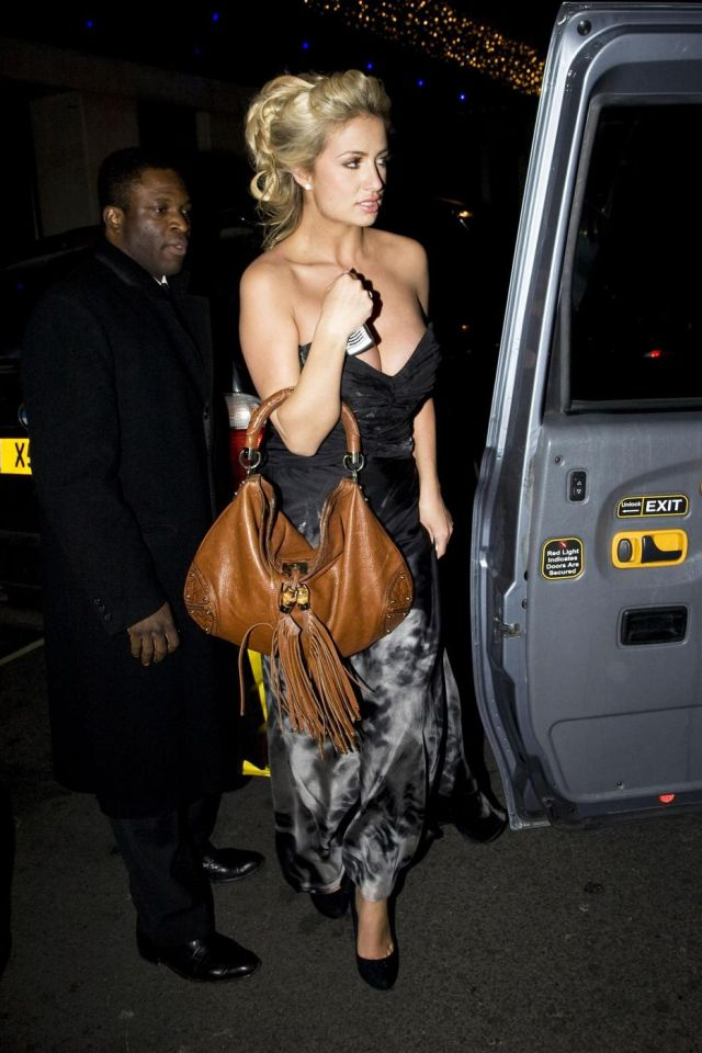 Chantelle Houghton and Her Huge Cleavage (5 pics)