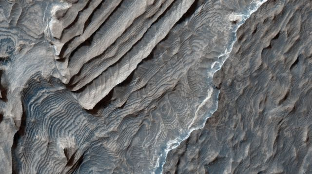 Fascinating Landscapes of Mars (35 pics)