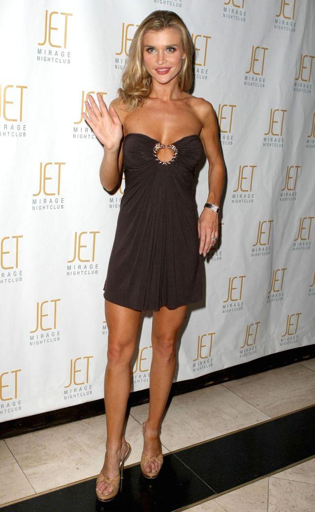 Very Sexy Joanna Krupa in a Nice Dress (8 pics)
