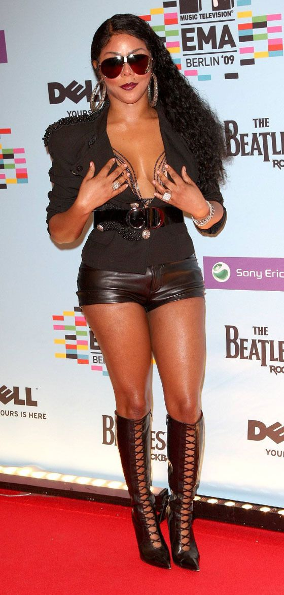 Lil' Kim at 2009 MTV EMAs! (9 pics)