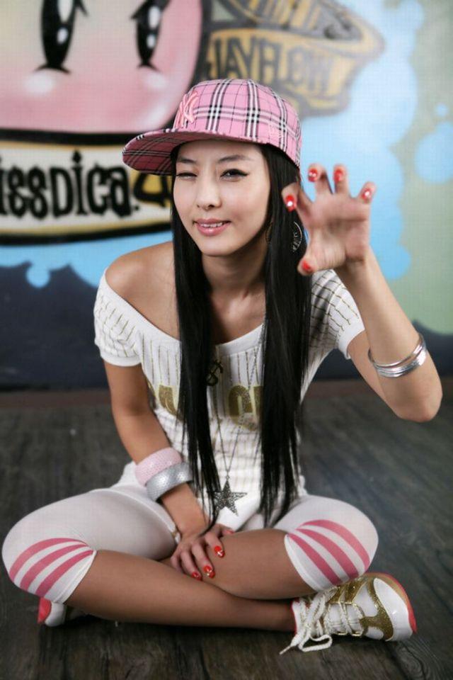 https://img.izismile.com/img/img2/20091112/asian_girls_nails_07.jpg