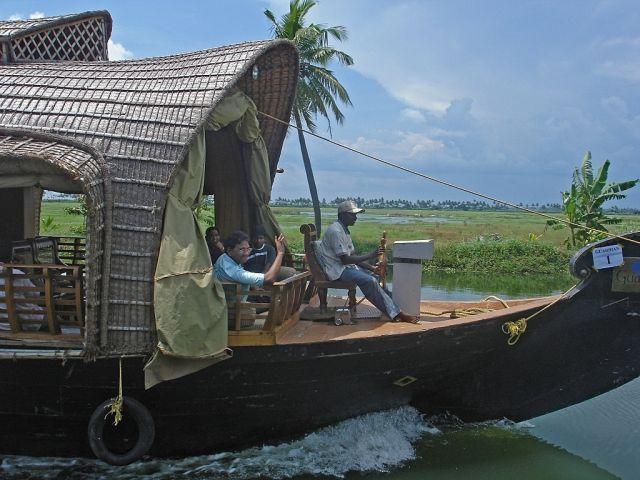 Amazing Houseboats (21 pics)