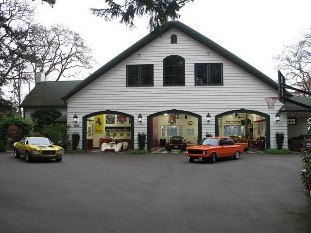 Awesome and most beautiful garages for super cars 54 pics for Attractive carport