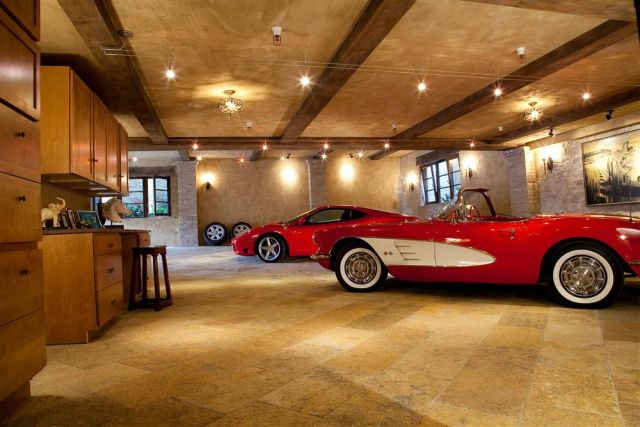 Awesome and Most Beautiful Garages for Super Cars (54 pics)