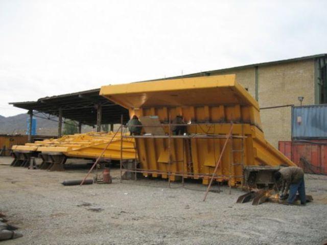 Assembling of BelAZ Vehicles (16 pics)