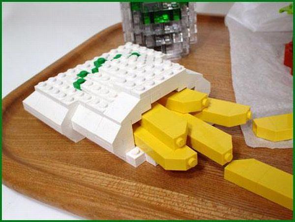 Lego Cheeseburger (7 pics)