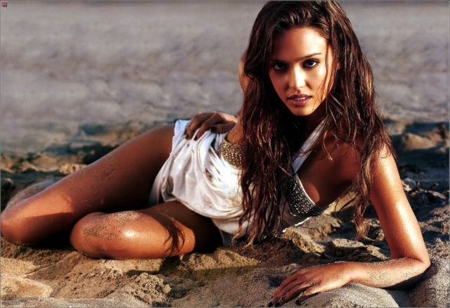 Smoking Hot Jessica Alba (8 pics)