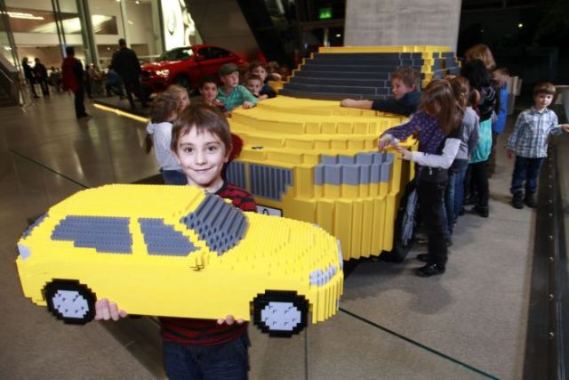 Full-Size Lego Replica of a BMW X1 (9 pics)