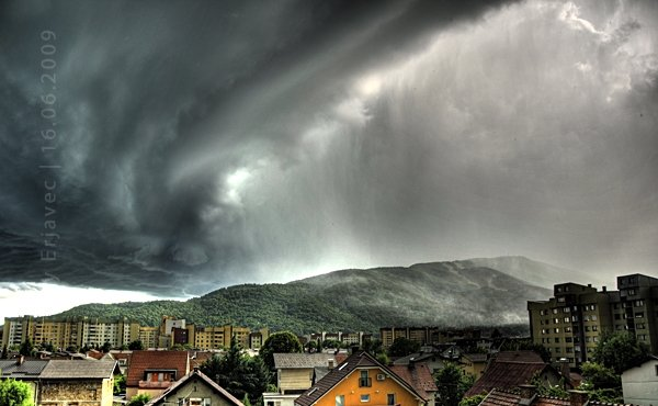 Incredible and Unique Shots of Stormy Clouds (10 pics)