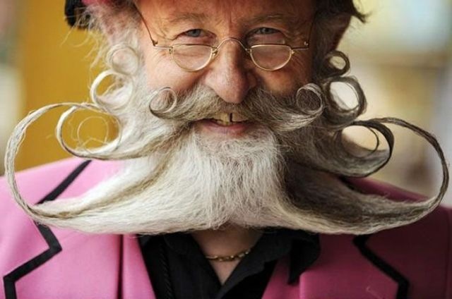 Coolest and Funniest Beards and Moustaches (34 pics)