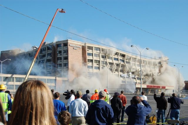 Great Building Implosion (10 pics)