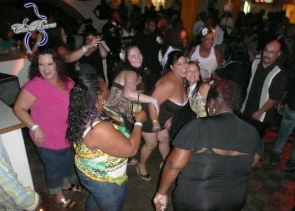Night Clubs for Overweight People (20 pics)