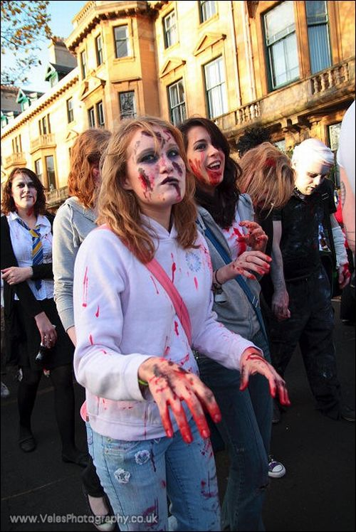 Zombie Walk in Glasgow (42 pics)