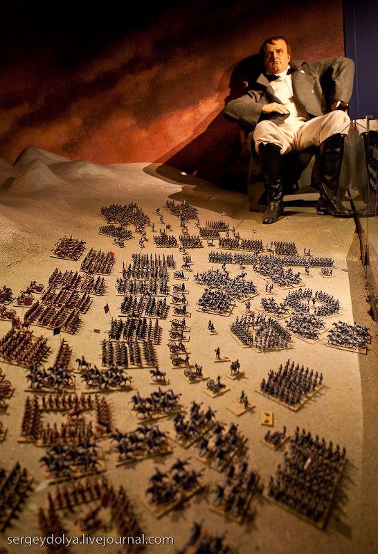 Grevin Wax Museum (24 pics)