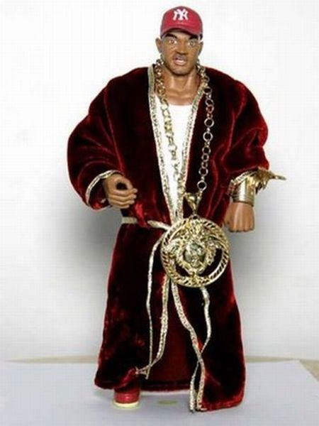 Most Ridiculous Chains of Rappers (22 pics)