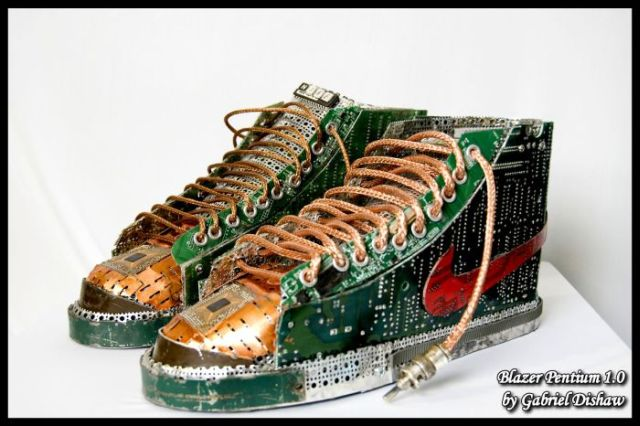 Shoes Made Out of Pentium Chips (20 pics)