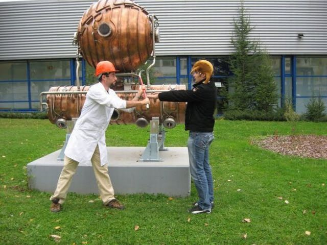 Oldie of the Day. 'Gordon Freeman' from Half Life spotted at CERN (23 pics)