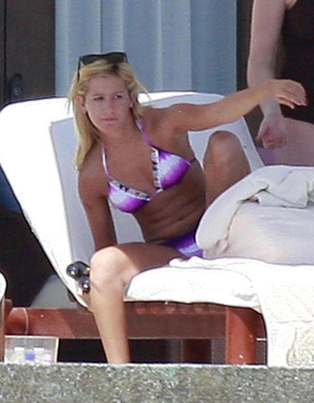Ashley Tisdale in Bikini (9 pics)