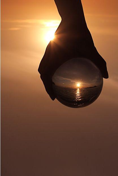 Looking Through a Crystal Ball (13 pics)