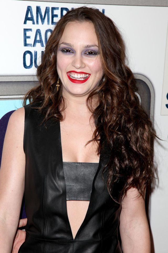 Leighton Meester, a Sexy Vamp Style (9 pics)