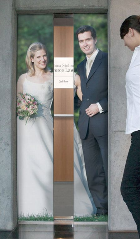 A Great and Smart Elevator Ad (3 pics)