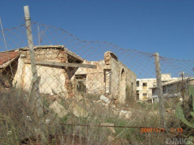 The Abandoned Beach Resort of Varosha in Cyprus (52 pics)